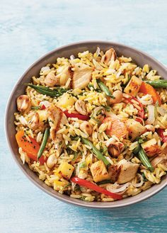 Arroz thai. Disfruta de una receta internacional y deliciosa. Prepara un rico arroz tailandés, es muy fácil ¡Tienes que probarlo! Revista Cocina Vital.