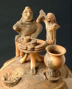 As-urn met banketscène, materiaal: aardewerk, datering: 700-650 v.Chr., hoogte: 54,2 centimeter, gevonden in: Volterra (necropolis Montescudaio) collectie: Museo Archeologico Nazionale (Florence, Italië)