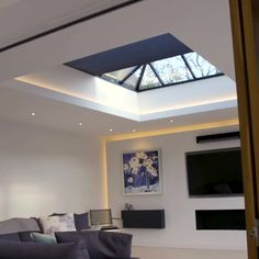 Transform your roof lantern with our horizontal Duette® blind. ⁠ Perfect for making your room into a comfortable shape by controlling temperatures, increasing privacy and decreasing glare.⁠ ⁠ Improve your room today by arranging a free quotation. Lantern Ceiling Lights, Roof Lantern, Home Room Design, Home Interior Design, Living Room Designs, Roof Design, Ceiling Design, Roof Terrace Design, Glass Roof Extension