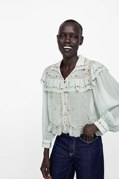 8a41a3c9 EMBROIDERED RUFFLED BLOUSE Embroidered Blouse, Ruffle Blouse, Mod Fashion, Zara  Women, Brim