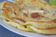 Galettes tunisiennes version rapide- Mleoui express Tunisian Food, Best Bakery, Flatbread Pizza, International Recipes, Bread Baking, Food To Make, Brunch, Cooking Recipes, Favorite Recipes