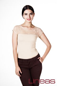 Playera, Modelo 19624. Precio $80 MXN Pantalón, Modelo 16664. Precio $300 MXN #Lineas #outfit #moda #tendencias #2014 #ropa #prendas #estilo #primavera #outfit