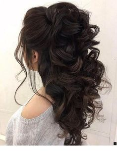 Half up half down hairstyles - partial updo wedding hairstyle is a great options for the modern bride from flowy bohemian to clean contemporary & elegant cute bridal hair styles Elegant Wedding Hair, Wedding Hair Down, Wedding Hair And Makeup, Trendy Wedding, Wedding Updo, Wedding 2017, Boho Wedding, Rustic Wedding, Bride Makeup
