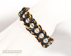Double Flat Spiral Stitch Halloween Bracelet Pattern With Glow-in-the-Dark Glass Beads