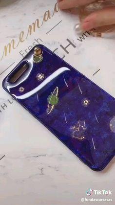 Diy Crafts Phone Cases, Art Phone Cases, Iphone Cases, Diy Coque, Diy Phone Case Design, Packing List Beach, Diy Resin Crafts, Art Case, Coque Iphone