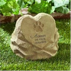 Always In Our Hearts Paw Print Pet Memorial Stone From Grasslands