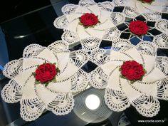 Caminho de mesa - Passo a passo - http://crochedalidia.blogspot.com