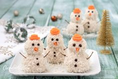 Snowmen salty- Pupazzi di neve salati SALTED SNOWMAN Christmas appetizer recipe in 5 minutes - Christmas Lunch, Christmas Dishes, Christmas Time, Cold Appetizers, Christmas Appetizers, Vegan Recipes 4 Ingredients, 24 Kitchen Filipa Gomes, Animal Cupcakes, Food Garnishes