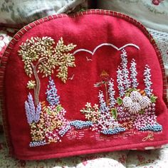 JAN CONSTANTINE FELT COUNTRY GARDEN TEA COSY RED COTTAGE fabric Tea Cozy, Coffee Cozy, Hand Embroidery Designs, Ribbon Embroidery, Embroidery Ideas, Tea Warmer, Red Cottage, Crazy Patchwork, Shabby