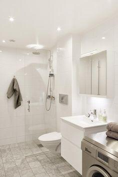 Bathroom Inspo, Bathroom Inspiration, Bathroom Interior, Small Utility Room, Dream Apartment, Wet Rooms, Home Reno, Bathroom Renovations, Decoration