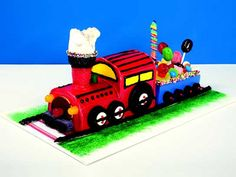 Creative Birthday Cake Decorating Ideas from Extreme Cakeovers | Reader's Digest