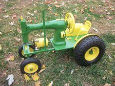 Vintage sewing machine into toy tractor.I LOVE vintage sewing machines but love tractors, too. What an idea! other-crafty-goodness Metal Art Projects, Welding Projects, Metal Crafts, Diy Projects, Treadle Sewing Machines, Antique Sewing Machines, Metal Yard Art, Scrap Metal Art, Junk Art