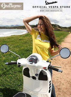 Vespa Gts, Piaggio Vespa, Vespa Lambretta, Motor Scooters, Vespa Scooters, Motorcycle Style, Biker Style, New Vespa, Italian Scooter