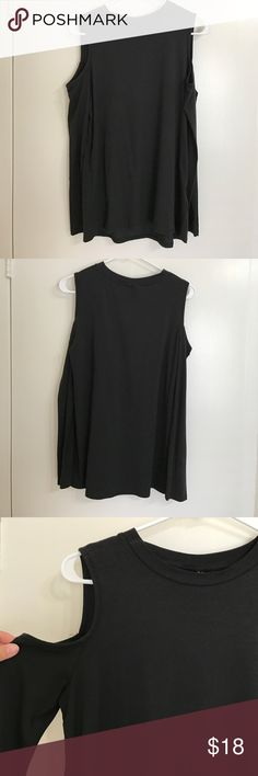 TOPSHOP BLACK TOP Black long sleeve with shoulder cut outs. Plain. Comfortable. 49% Modal. 45% Cotton. 6% Elastane. No trades. Offers allowed. Topshop Tops Tees - Long Sleeve