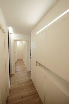 Progetti: Ingresso, Corridoio & Scale in stile in stile Moderno di luigi bello architetto