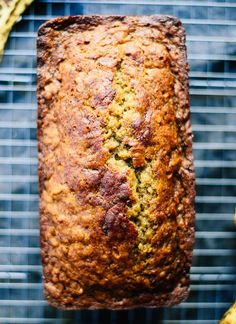 Healthy Banana Bread – The simplest, healthiest banana bread recipe! Healthy Banana Bread – The simplest, healthiest banana bread recipe! Healthy Bread Recipes, Banana Bread Recipes, Healthy Sweets, Healthy Baking, Healthy Snacks, Cooking Recipes, Cooking Cake, Oatmeal Recipes, Desert Recipes