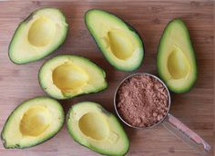 Dairy Free Chocolate Avocado Pudding 2 ripe avocados 2 tbs of raw honey cup of organic cocoa powder 2 tbs of softened coconut oil 1 tsp of organic vanilla extract Paleo Dessert, Vegan Desserts, Dairy Free Recipes, Vegan Recipes, Protein Recipes, Avocado Recipes, Snack Recipes, Dinner Recipes, Gluten Free