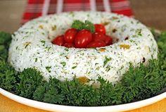 Esse arroz fica delicioso e é muito fácil de fazer. Ele é cozido com espumante (ou champanhe) mas não fica com sabor forte e nem com álcool, porque ele evapora no cozimento. Eu acho que ele tem um … Finger Food Appetizers, Finger Foods, Appetizer Recipes, Rice Recipes, My Recipes, Sweet Recipes, Red Rice Recipe, A Food, Food And Drink