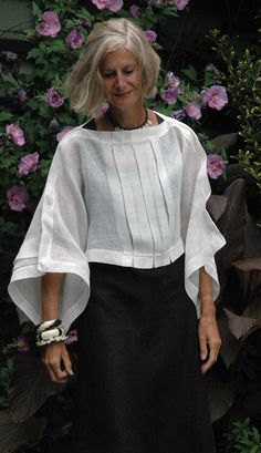 Chic and Fashionable With White Shirt Tolle Auswahl bei diva.- Chic and Fashionable With White Shirt Tolle Auswahl bei divafashion. Schau do… Chic and Fashionable With White Shirt Tolle Auswahl bei divafashion. Street Mode, Street Style, Mode Hippie, Mode Plus, Advanced Style, Linen Blouse, Linen Tunic, Sheer Blouse, Mode Outfits