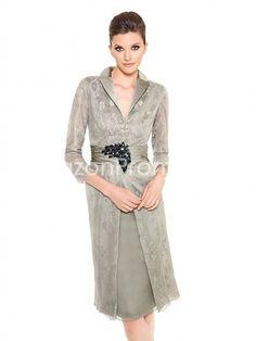 US $139.99 Sheath/Column V-neck Knee-length Lace Mother of the Bride Dress