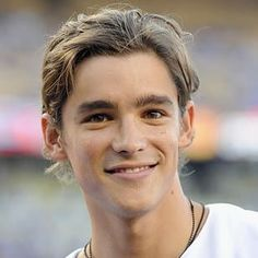 Get ready to give him all of your attention. See Brenton Thwaites in The Giver in theaters August Actors Funny, Cute Actors, Beautiful Boys, Pretty Boys, Brenton Thwaites, Captive Prince, Portraits, Pirates Of The Caribbean, Hollywood