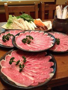 大安亭のやまくらさんのお肉でしゃぶしゃぶ。
