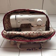 tuto housse machine a coudre DIY Sewing Hacks, Sewing Tutorials, Sewing Tips, Creation Couture, Couture Sewing, Janome, Sewing Projects For Beginners, Sewing For Kids, Sewing Patterns Free