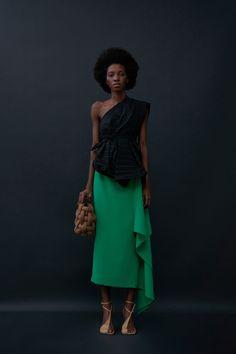 Fashion News, Fashion Show, Fashion Beauty, Fashion Women, Knitwear Fashion, Fall Skirts, Dressy Dresses, Vogue Russia, Spring Summer Fashion