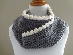 *Scalloped edge scarf (Ingrid Scarf)- quick and easy. Navy blue scarf with cream scalloped edge.
