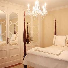 love those mirrored doors!!!!