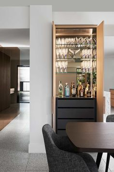 27 Elegant Home Bar Designs Ideas - If you are planning to have a bar in your home with a unique design where you can hang-out, party with your friends or just watch a game you need to h. Bar Interior, Interior Design Kitchen, Modern Home Bar Designs, Modern Bar, Küchen Design, House Design, Design Ideas, Home Bar Cabinet, Bar Cabinets For Home