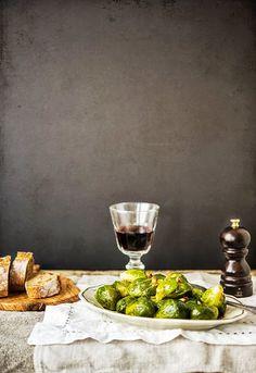 """Receta 329: Coles de Bruselas rehogadas » 1080 Fotos de cocina, proyecto basado en el libro """"1080 recetas de cocina"""", de Simone Ortega. http://www.alianzaeditorial.es/minisites/1080/index.html"""