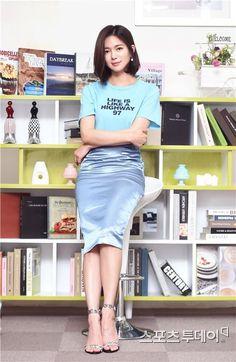 Korean Beauty, Asian Beauty, Korean Celebrities, Celebs, Lee Sun Bin, Pencil Skirt Work, Pretty Korean Girls, Korean Actresses, Beautiful Actresses