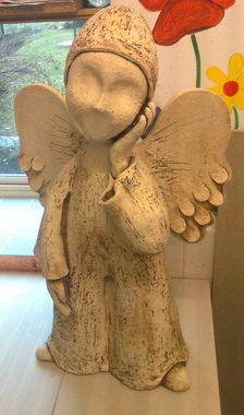 Anděl s čepičkou - Keramická dílna Jana