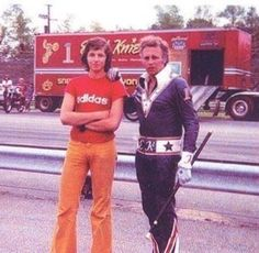 Love the blue suit Evil Kenevil, Old Harley Davidson, Mlb Stadiums, American Legend, Racing Motorcycles, Daredevil, Letterpress, Mma, Vintage Photos