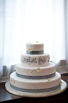 Garden Wedding Venue | CJ's Off the Square | Gray Silver Wedding Cake - Photo: Phindy Studios