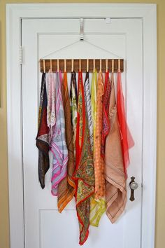 Sally Ann: DIY Clothes Pin Scarf Holder - useful for so many supplies
