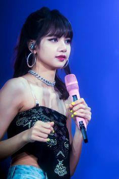 Yg Entertainment, South Korean Girls, Korean Girl Groups, Rapper, Everything Is Blue, Kim Jisoo, Blackpink And Bts, Living Dolls, Pretty Asian