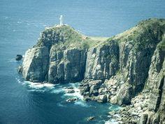 日本の最西端にあるといわれる灯台で、光の届く距離はトップクラスと言われます。映画「悪人」のラストシーンの方に登場した灯台はこちら。