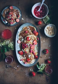 "foodiebliss: "" Strawberry Buttermilk Pancakes With Elderflower And Poached Rhubarb Source: Call Me Cupcake Where food lovers unite. Breakfast And Brunch, Breakfast Pancakes, Healthy Breakfast Recipes, Healthy Recipes, Crepes Party, Call Me Cupcake, Crepes And Waffles, Buttermilk Pancakes, Paleo Pancakes"