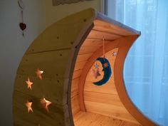Some light inside the cradle makes the stars stand out Palette, Moon, Stars, Projects, How To Make, Diy, The Moon, Log Projects, Blue Prints