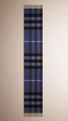 Chardon bleu Écharpe en cachemire à motif check - Image 4 Burberry Écharpe,  Echarpe Cachemire f6b82fb5c99