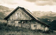 Love this barn.