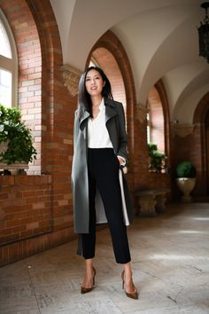 Black pants: 1 piece and several looks to be inspired - Charme-se - Business Outfits Outfits Casual, Business Casual Outfits, Office Outfits, Fashion Outfits, Office Uniform, Office Wear, Office Attire, Office Chic, Chic Office Outfit