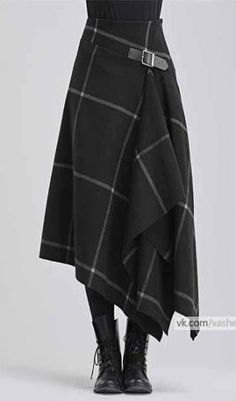Modern take on a kilt in black with white windowpane pattern - Designer Dresses Couture Mode Outfits, Skirt Outfits, Dress Skirt, Fashion Outfits, Kilt Skirt, Skirt Boots, Dress Boots, Tweed Skirt, Tights Outfit