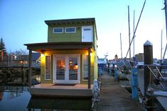 Sweet Pea Houseboat |  Small Spaces Addiction
