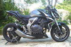 black cb1000r