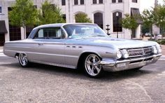 Buick Wildcat It was not 1962 but I drove a 62 Wildcat for a while in high school. People made fun of it. I Loved it, should have kept it. These cars could hold so many peeps. Buick Gsx, Cool Pictures, Cool Photos, Buick Wildcat, Automobile, Buick Envision, Buick Cars, Buick Lacrosse, Buick Enclave