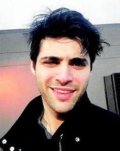 """""""Matthew telling a joke on his Instagram Live (12.03.18)"""""""