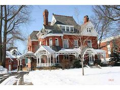 1887 Queen Anne located at: 2035 Collingwood Blvd, Toledo, OH
